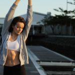 5秒筋トレで腹筋を鍛える!お腹の内臓脂肪に効果的な5秒ストレッチの方法